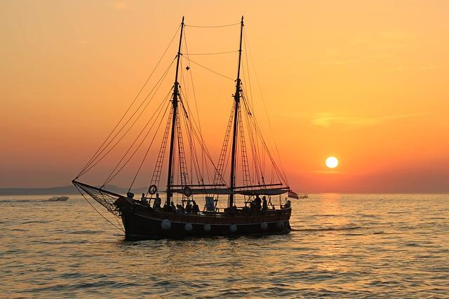 plachetnice na moři