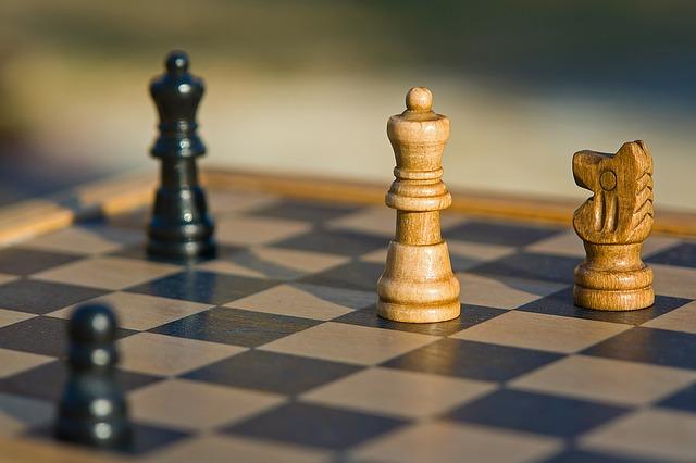 šachovnice s figurkami.jpg
